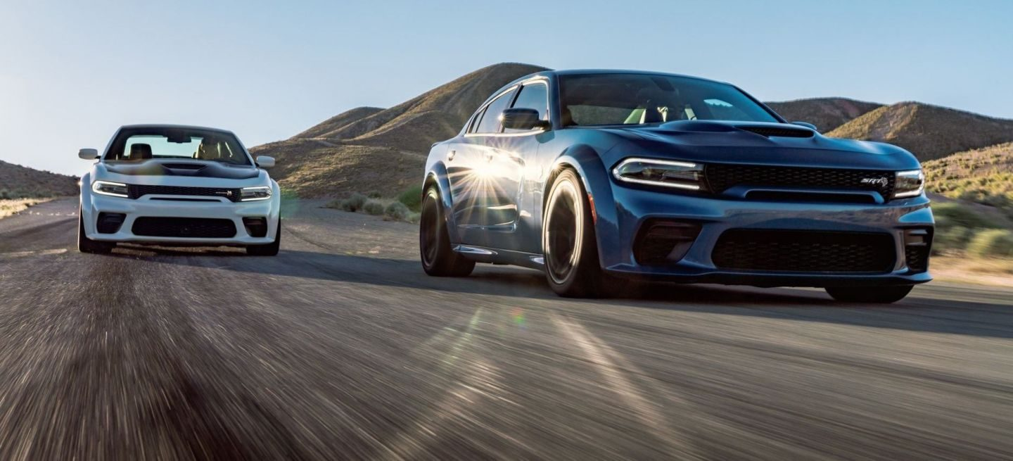 Satán es mi señor, y el Dodge Charger SRT Hellcat Widebody es su infernal montura 1