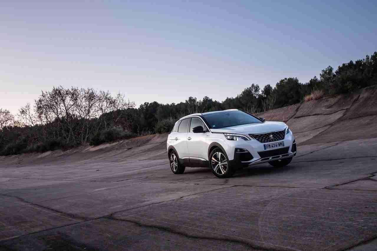 Prueba Peugeot 3008 Hybrid4, un paso lógico y bien presentado (con vídeo) 10