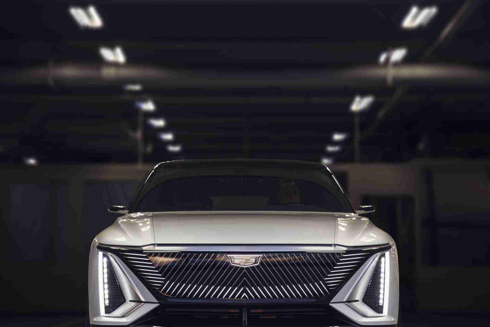 El Cadillac Lyriq es un nuevo problema para Tesla 6